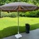 Vends parasols et coussins